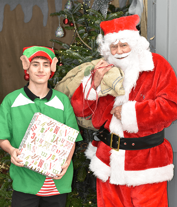 santas-grotto-charity-darts-farm-devon_600x700