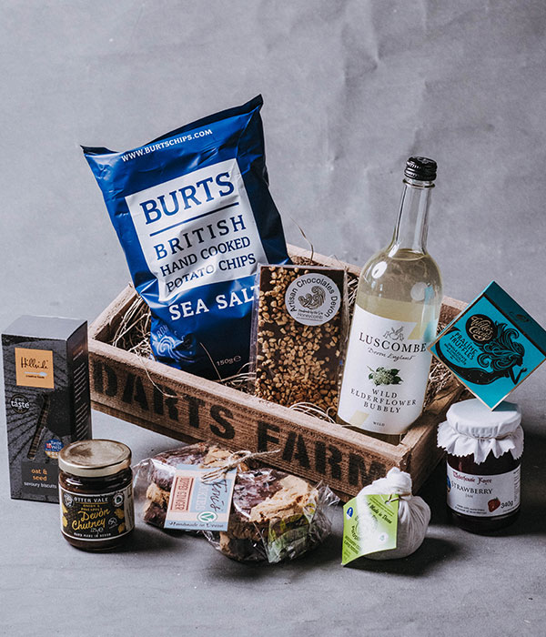 Small_West_Country_Foodie_Hamper_Darts_Farm_Devon_600x700